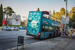 arrêt Fundació Joan Miró de l'Itinéraire Rouge du Barcelona Bus Turístic